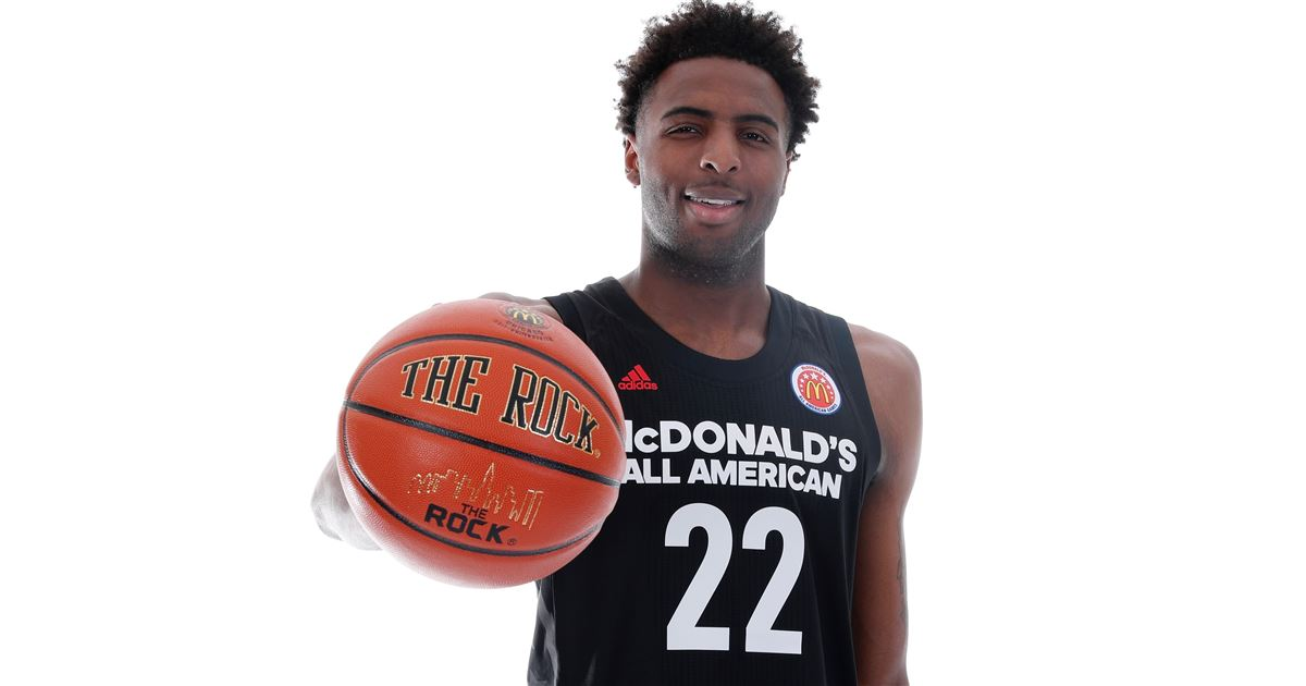 2017 #1 C Mitchell Robinson Skips College to Prepare for the 2018 NBA Draft